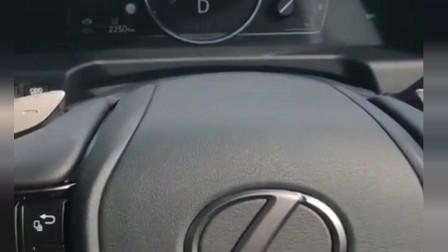 没有倒车镜的汽车,你敢开吗?看了人家的车,真想把自己的扔了!