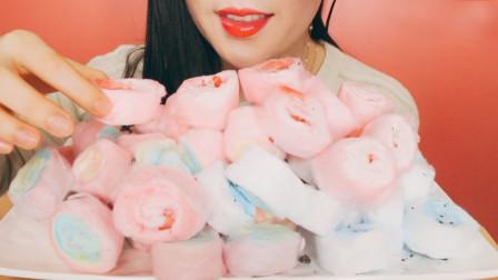 """生活漫话 小姐姐吃""""花卷""""棉花糖,有点像夹心蛋糕"""