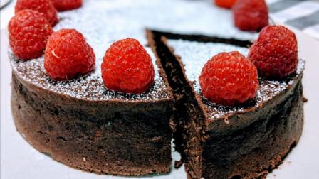 生日再也不用买蛋糕了,巧克力草莓芝士蛋糕在家也能做,一分钟轻松学会!