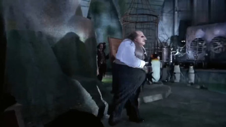 蝙蝠侠里的坏蛋企鹅人真恐怖!年纪小时看这段被吓惨了