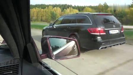 两辆奔驰汽车公路飙车,这样的性能见到宝马M系列就趴窝了吧