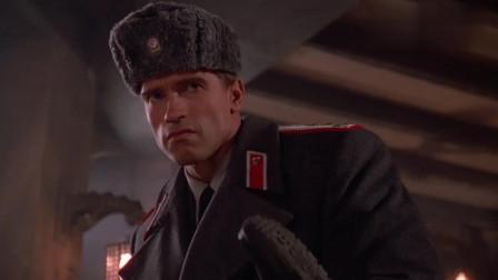 施瓦辛格穿上这身苏联军装  战力瞬间提升了一千万