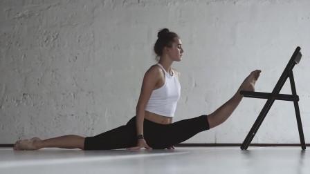学习舞蹈的女孩是这样练腿的!这样才能练出大长腿