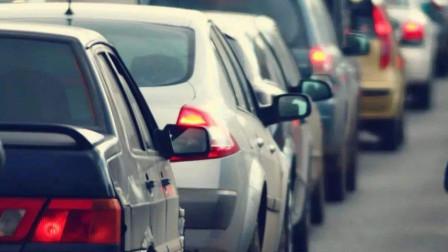 新手司机开车怎样安全的跟车防追尾,现场实录讲解,记住这个要领