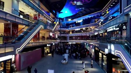 美丽的郑州商场活动夜景