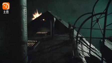 战舰用大炮与岸边的敌人对轰, 炮火满天飞