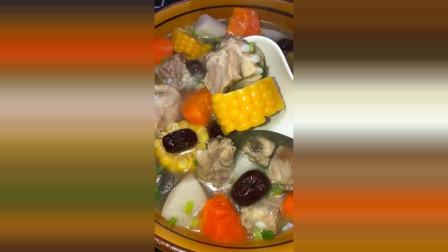 玉米排骨汤的做法, 排骨这样做好喝又营养, 适合给孕妇喝!