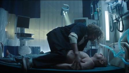 小伙给人做心脏复苏,用力过大,竟然直接把肚子压穿了!