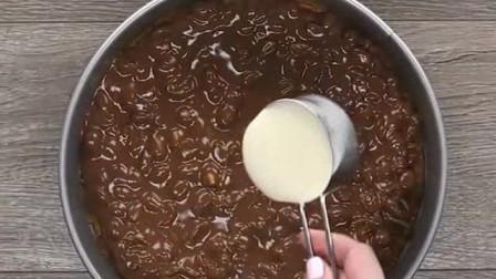 DIY宝宝甜品:棒棒糖装饰蛋糕