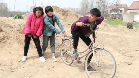河南方言:农村小伙相亲,被女方嫌弃没房没车,小伙的做法霸气了
