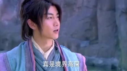 神雕也是一代高手,让杨过练习玄铁重剑,重剑无锋大巧不工