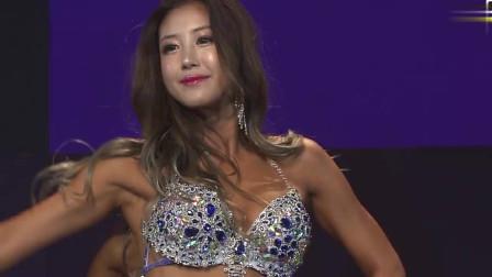 韩国健美大赛总决赛,每一位健美小姐都是佼佼者,这身材完美