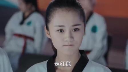 旋风少女:KO王戚百草上场就是不一样,全场轰动,太有面儿了!