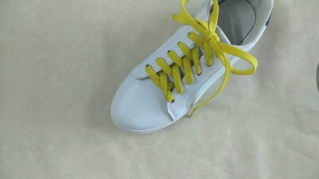 既简约又时尚的鞋带系法,再免费赠送一个打蝴蝶结的小技巧,这么大的福利还不赶紧get