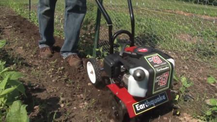 农村大叔发明小型耕耘机,松土除草统统搞定,200元自己造一台