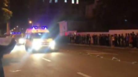 四川凉山森林火灾最后6具英雄遗体运至西昌 市民洒泪送别
