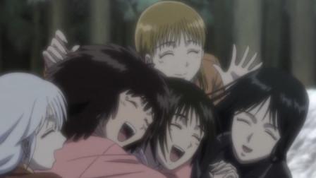 潮与虎:魔化的小潮终于被一众妹子唤醒,众妹子也是一阵轻松,露出欣慰的笑容