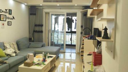 88㎡三居室,最爱这样的现代简约装修,主卧的飘窗实用又好看