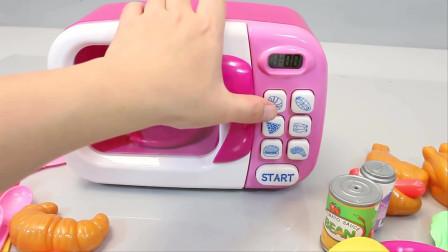 小豆子姐姐用微波炉烤牛角包的儿童益智玩具