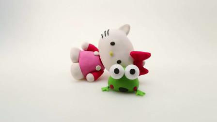 绿豆蛙在帮Kitty挑选裙子,粉红背带裙搭配红色蝴蝶结真好看!