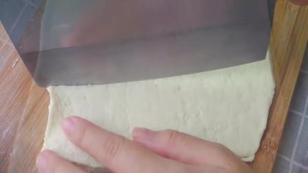 奶盐芝麻苏打饼干自己在家做,方法简单一学就会,安全放心无添加