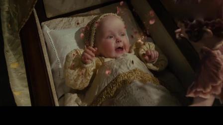 沉睡魔咒:女巫得知小公主出生,邪魅的笑了,她将受到永远沉睡的魔咒