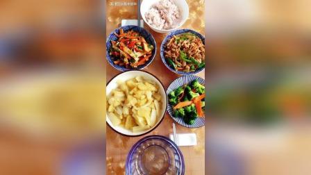 白菜炖土豆, 西蓝花, 肉丝尖椒和凉拌豆干[愉快]