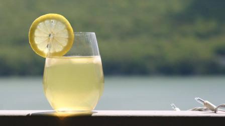 60秒学会柠檬水新做法,这么做柠檬水才正确!