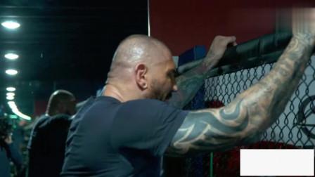 WWE野兽巴蒂斯塔进行魔鬼式训练 为摔跤狂热大赛对战HHH做足准备