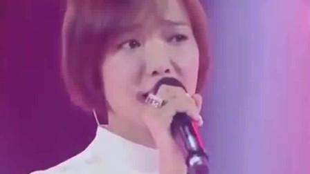王珞丹和高云翔豪迈唱《红尘滚滚》,全程表演无瑕疵,合唱好听!