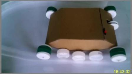 DIY创意手工教你用废纸箱和瓶盖制作电动小坦克玩具