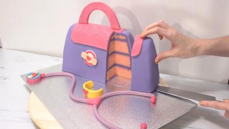 女儿最爱的迪士尼公主医药箱翻糖蛋糕做好了!这是哪个公主的呢