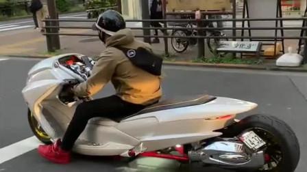 机车摩托:头一次见这样的摩托车,拐弯的那一刻我笑了