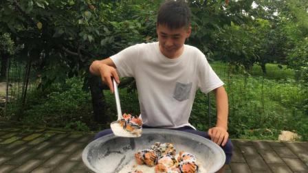 盐焗大闸蟹, 到底有多美味? 看他表情就知道了