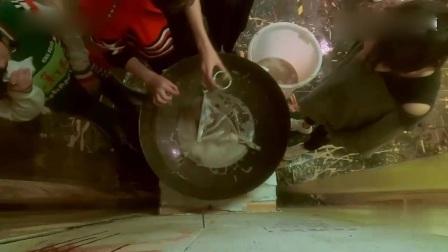 《密室大逃脱》邓伦的五官都在抗拒这口醋锅,受不了这个味道!