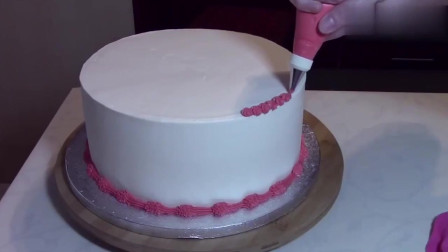 国外达人制作的小清新裱花蛋糕,看着好有食欲