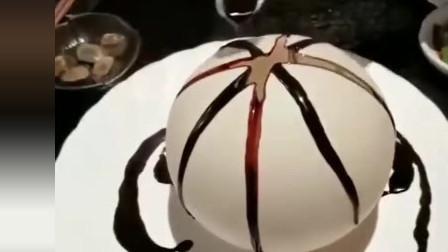 终于吃到了网红蛋, 这一幕让我开眼了, 服务员的手法堪称完美!