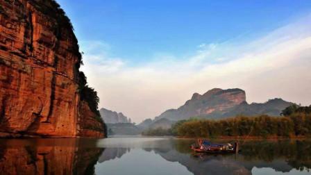 轻客旅行丨航拍广东丹霞山景区,色如渥丹、灿若明霞的丹霞地貌