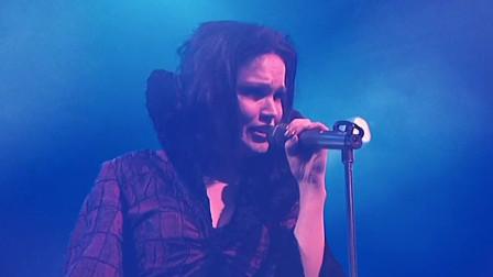 芬兰国宝级哥特金属摇滚乐队夜愿乐队现场演出Nightwish  she is my sin 2001From Wishes to Eternity Live