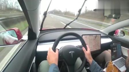 特斯拉Model 3 在不限速的德国高速公路开,超车的感觉真爽