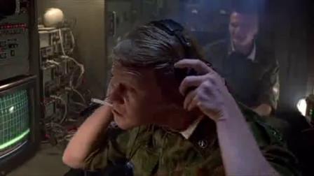 经典电影,美军武装直升机进入俄领空,俄劝阻无效直接击落