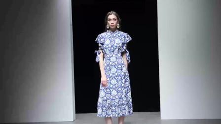 2019夏装新款欧美时尚波普风印花荷叶袖收腰显瘦长款连衣裙