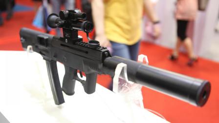 解放军05微冲国际版,抛弃95枪族经典设计的CS-LS2型冲锋枪