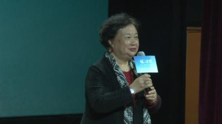 现场 陆小雅新片首映 陈佩斯为其站台