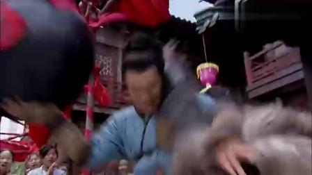 小哥托举着一口百十斤的酒坛,单手岳家拳狠揍金国武士,三招放翻