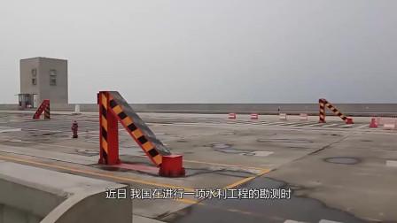 """中国黄河内现百米""""黑洞"""",每天吞噬河水数千吨,引起各国关注"""