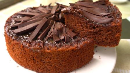 【超醇厚黑巧克力蛋糕】丝滑口感让人欲罢不能,配焦糖奶油酱做法