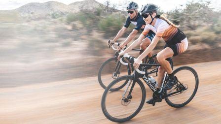 《美骑快讯》第254期 沃尔玛造了辆碳纤维自行车 居然卖4万块