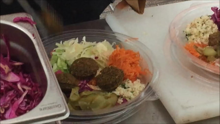 大牛排-鸡肉炸肉排和沙拉三明治-伦敦街头小吃