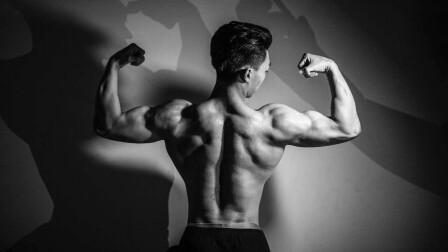 半路出家练健身也能上春晚 95后设计师变肌肉男神 帅到爆炸